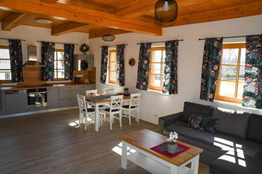 Interier pokoje - kuchyně 1